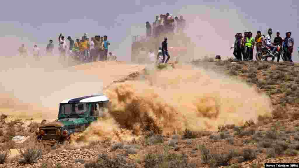 مسابقات آفرود در فسا واقع در استان فارس