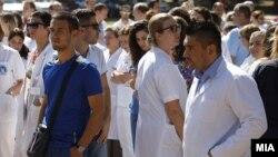 Протест на лекари и медицински персонал поради насилството врз нив