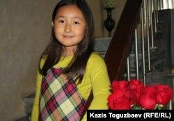 Мерей Заманбеккызы, дочь Макпал Жунусовой и Заманбека Нуркадилова, погибшего от огнестрельных ранений. Алматы, 12 ноября 2012 года.