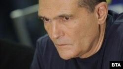 Васил Божков каза, че ако бъде потърсен от властите ще се отзове