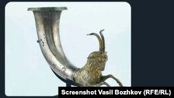 Разпространената от Васил Божков снимка на ритон, който според него се продава