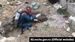 Работы по извлечении ртути в Нахимовском районе Севастополя