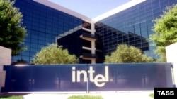 Компания Intel - крупнейший производитель микропроцессоров в мире