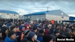 Протест работников на Чаяндинском нефтегазоконденсатном месторождении в Ленском районе Якутии