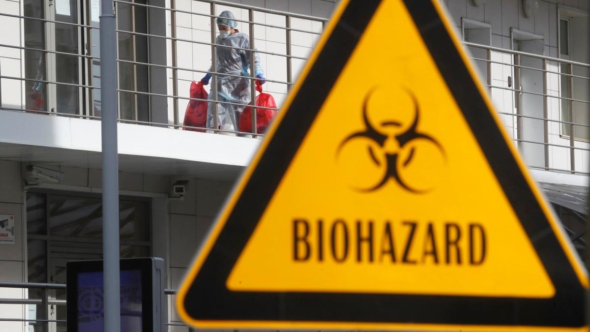 Россия закрывает границы через коронавирус, но не для всех