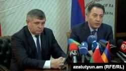 Միխայիլ Ամելյանովիչն ու Կարեն Ճշմարիտյանը մամուլի ասուլիսում: 16-ը փետրվարի, 2016 թ․