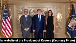 Hashim Thaci with U.S. President Donald Trump (center) and his wife Melania Trump in New York in 2019.