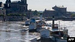 Река Эльба. Дрезден.5 июня 2013 г.