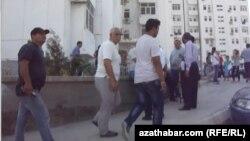 Türkmenistanda ilat tarapyndan geçirilen protest çäreleriniň biri.