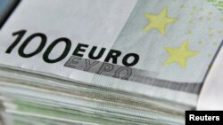 Belgium -- Euro bank notes are seen at the Belgian Central Bank in Brussels, 26Oct2011
