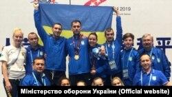 У жовтні Ігор Рейзлін чемпіоном VII Всесвітніх ігор серед військовослужбовців. На фото – збірна України з фехтування