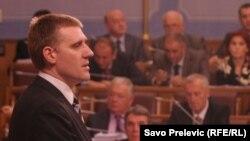 Igor Lukšić na premijerskom satu u Skupštini Crne Gore, 26. oktobar 2011.