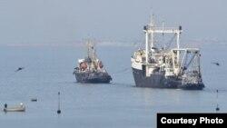 З Криму до Одеси вийшло два судна, 16 квітня 2014