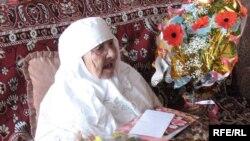 Ғасырдан да ұлы Сахан Досова 130-шы туған күнінде құттықтаулар қабылдады. Қарағанды, 27 наурыз, 2009 жыл.
