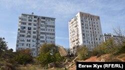 Хранившийся в центральной части батареи боезапас был взорван в последние дни обороны Севастополя