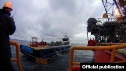 Переміщення бурових вишок «Чорноморнафтогазу» в територіальні води Росії, 14 грудня 2015 року