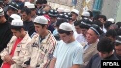 Намоизи ид дар масҷиди Имом Тирмизӣ, шаҳри Душанбе, 1-уми октябр