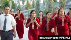 Школьники Ашхабада