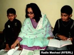 Шазмі Галім допомагає своїм синам
