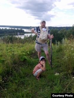 Ондржэй Соўкуп з сынамі на Волзе