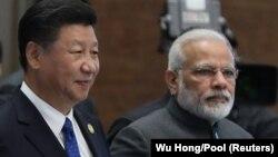 د هند وزیر اعظم له خپل چینايي سیال سره ولیدل.
