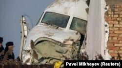 Носовая часть потерпевшего крушение самолета Fokker 100 авиакомпании Bek Air. Алматы, 27 декабря 2019 года.