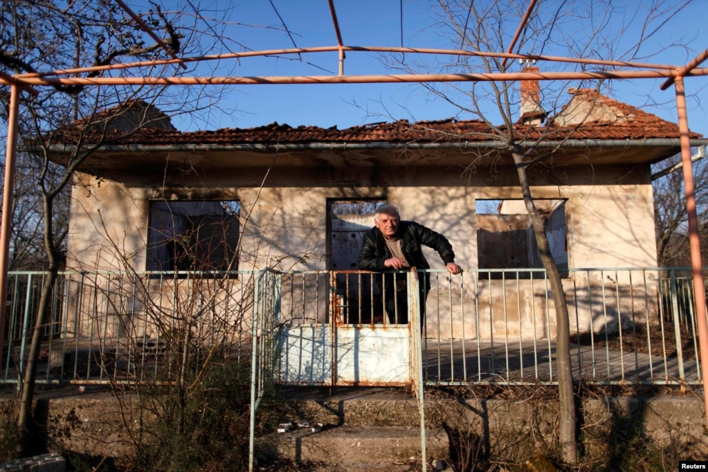 Croatian Serbs Caught In Limbo