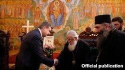 Премьер-министра Армении Карена Карапетяна принимает Католикос-Патриарх всея Грузии Илия Второй, Тбилиси, февраль 2017 г.