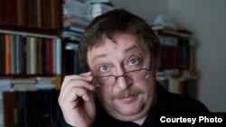 """Аляксандар Фядута, фота — <a href=""""https://www.facebook.com/photo.php?fbid=179666475414556&set=a.179665102081360.35358.124828694231668"""">«Гавары праўду»</a>»"""