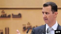 """Б.Ассад телекайрылуусунда """"чет-өлкөлүк кутумчуларды"""" айыптады"""