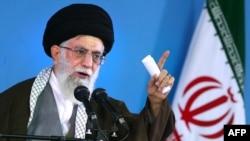 رهبر جمهوری اسلامی، طی یک سخنرانی در روز شنبه، مردم کشورهای یمن و بحرین و فلسطینیها را «از جمله ملتهای مظلوم» توصیف کرد و افزود «ما هر اندازه که بتوانیم از مظلوم دفاع و با ظالم مقابله خواهیم کرد».
