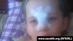 Учительница нанесла травму 8-летней Согдиане Османовой, бросив в нее пластиковую бутылку.