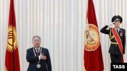 Курманбек Бакиев 2005-жылдын бул күнү экинчи жолу Кыргызстандын президенти болгон.