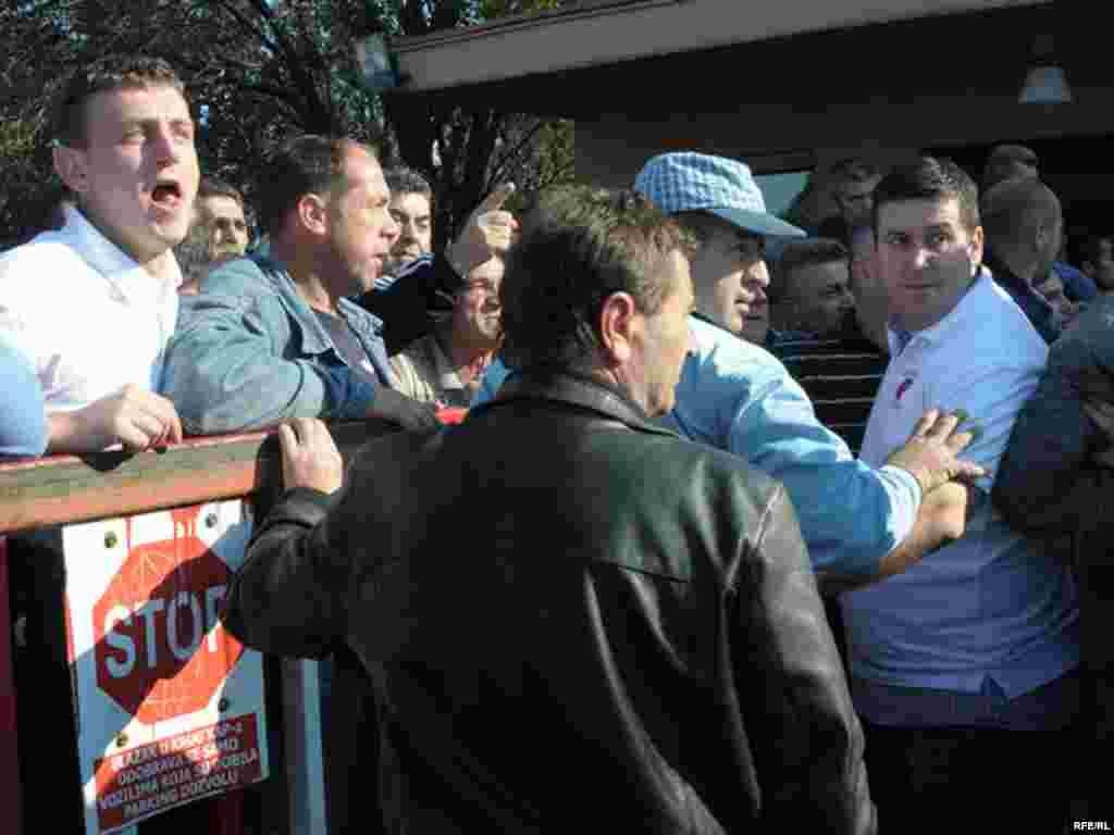 Nezadovoljni radnici - Foto: Savo Prelević
