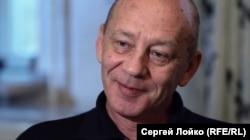 Сергей Соколов у себя дома в Москве до ареста