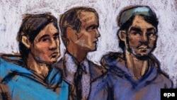 Ахрор Сайдахметов (слева), его судебный переводчик (в центре) и Абдурасул Джурабоев в зале суда. Рисунок. Нью-Йорк, 25 февраля 2015 года.