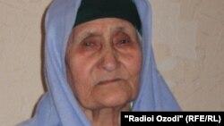 Ҳомия Латифова, сокини 90-солаи шаҳри Душанбе.