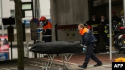 Prizor poslije napada kod stanice podzemne željeznice Malebek, Brisel, 23. mart 2016.