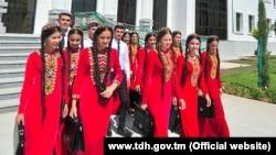 Учащиеся вузов Туркменистана