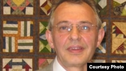 Петр Афанасенко, политэмигрант, бывший начальник охраны экс-премьера Казахстана Акежана Кажегельдина. Вашингтон, июнь 2011 года.