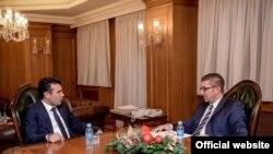 Архива: Средба на премиоерот Зоран Заев со претседателот на ВМРО-ДПМНЕ, Христијан Мицкоски во Владата.