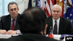 رحیم وردک در جریان ملاقاتش با مقامات امریکایی در ایالات متحده امریکا