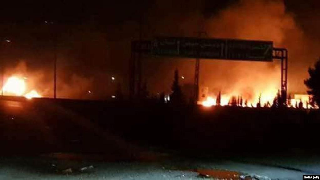 آتشسوزی پس از یکی از حملات هوایی پیشین به جنوب دمشق