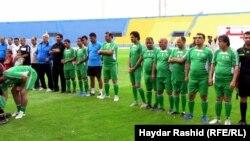 لاعبون سابقون وفنانون شعبيون يشاركون في حفل توديع المنتخب العراقي لكرة القدم