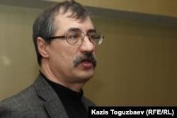Евгений Жовтис.