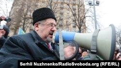 """Рефат Чубаров Киевтагы """"Кырым аннексиясенә каршы"""" йөрештә"""