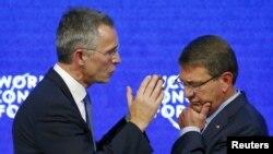 Генеральный секретарь НАТО Йенс Столтенберг (слева) и министр обороны США Эштон Картер