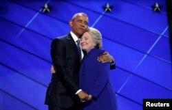 Президент США Барак Обама и Хиллари Клинтон на Национальном съезде Демократической партии. 27 июля