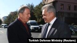 Թուրքիայի և Ռուսաստանի պաշտպանության նախարարներ Հուլուսի Աքար և Սերգեյ Շոյգու, արխիվ