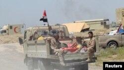 Фаллуджа маңында жүрген Ирак әскерилері. 30 мамыр 2016 жыл.